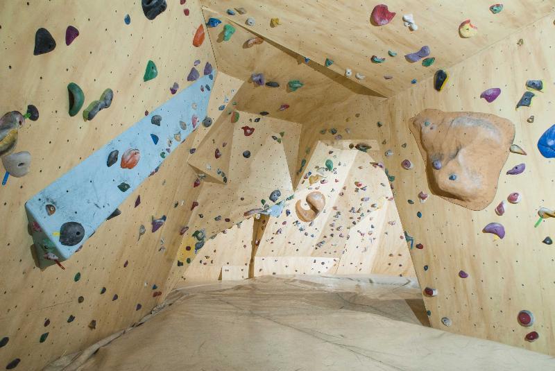 salle d escalade 224 annecy en haute savoie 74 bloc trotters